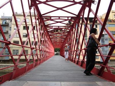 El Pont de les Peixateries Velles in Girona