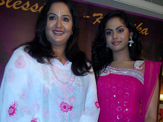 Actress Radha Family http://mgrsworld.blogspot.com/2012/11/actress-karthika-and-radha-photos.html