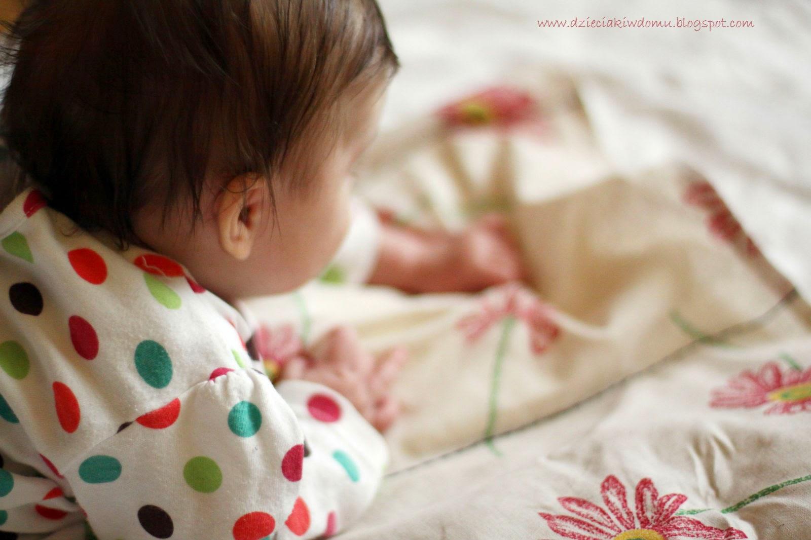 Prosta mata sensoryczna dla niemowlaka