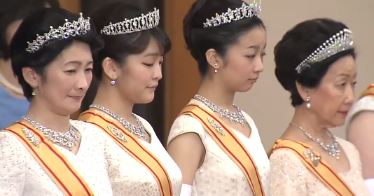 New Year Tiaras In Japan The Court Jeweller