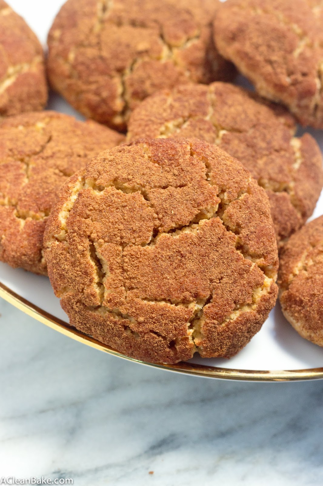 Thick and Chewy Grain-Free Snickerdoodles #paleo #glutenfree #cleaneating