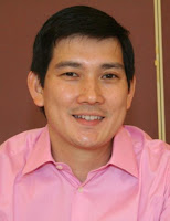 Richard Yap Aka Papa Chen Achieves Stardom As Leading Man In A Soap At