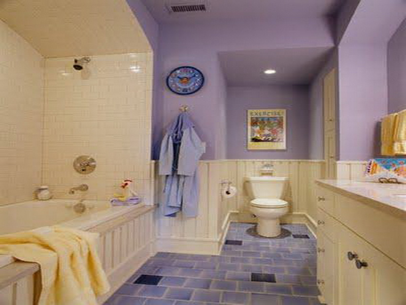 Crisp bathroom paint colors for mood booster yonehome for Purple bathroom tiles ideas