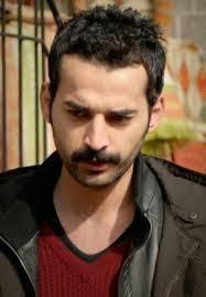 Foto Terbaru Orhan Simsek Pemain Drama Turki Zahra