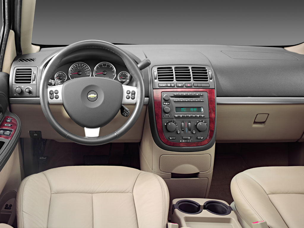 2008 Chevy Uplander Interior