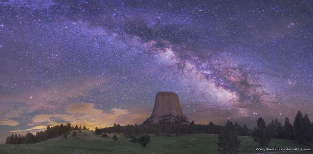 The Milky Way Over Devils Tower, Wyoming, USA. Credit & Copyright: Wally Pacholka (TWAN)