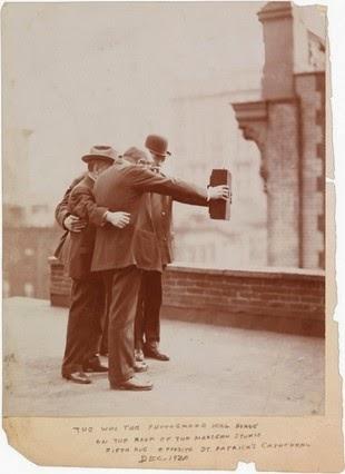 El Primer Selfie