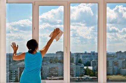 cara membersihkan kaca jendela rumah anda