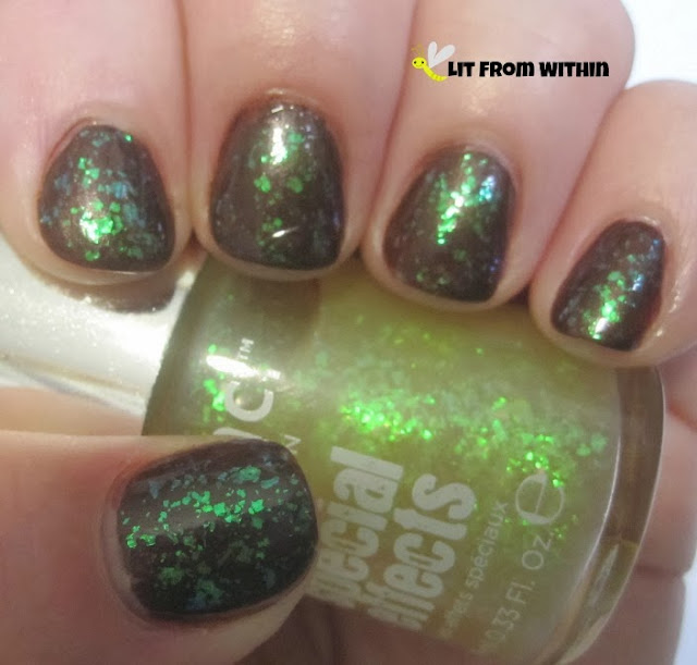 Doesn't the polish look almost radioactive?