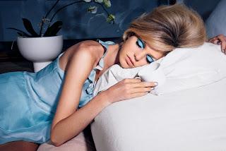 tips merawat wajah : Jangan MemakaiMake up saat tidur