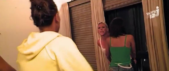 Clash Amélie Julie dans les Anges de la télé réalité 2