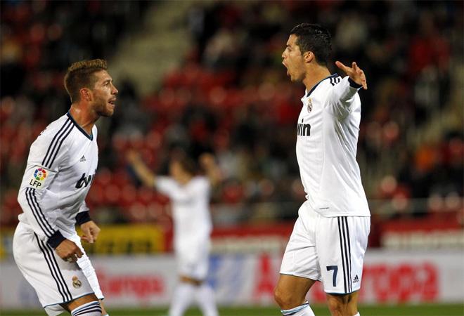 Higuaín y Cristiano mantienen al Madrid en la pelea