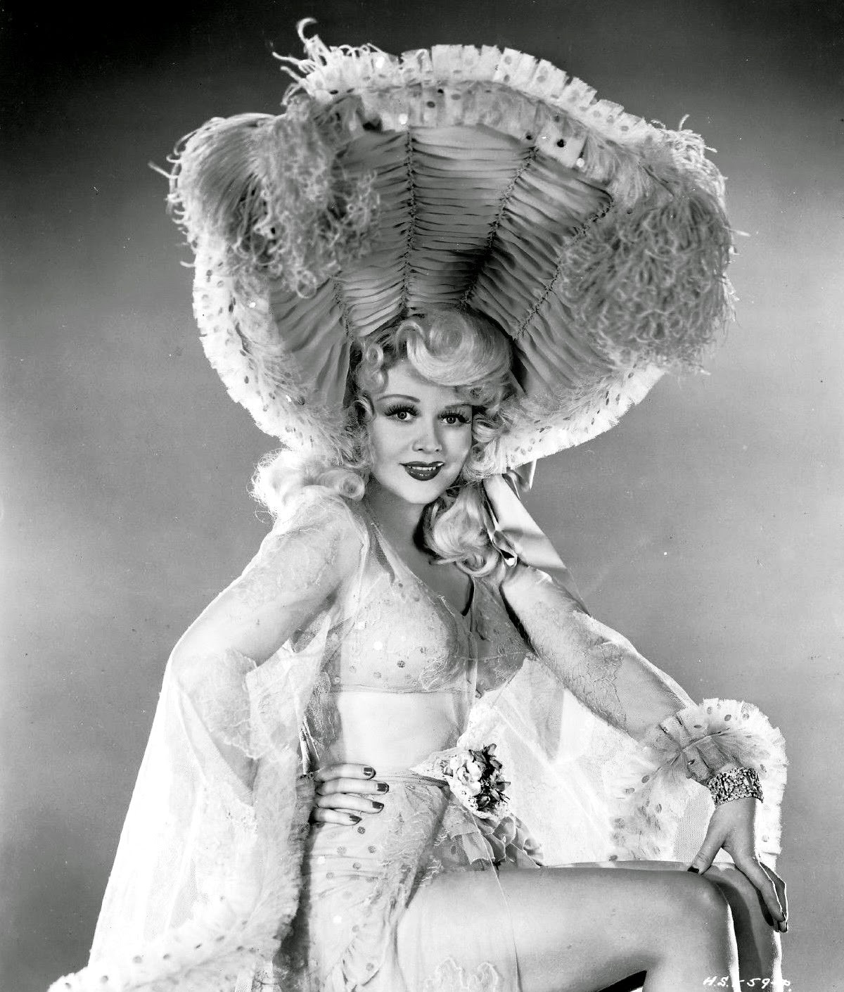 hollywood in the 1930s With income inequality as high today as it was in the 1930s, high society   frequented by socialites and the hollywood elite, including tallulah.