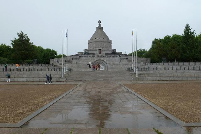 Mausoleo de los Caídos del II Ejército Rumano