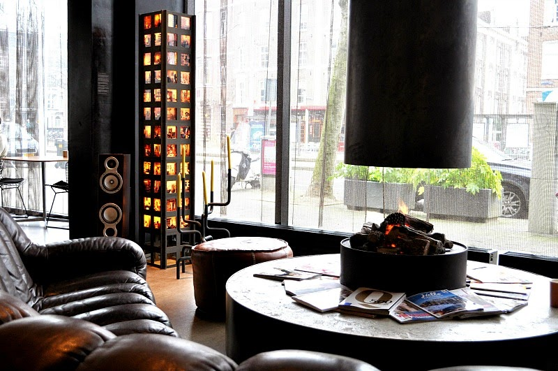 Design hotel in Amsterdam fireplace in Hotel V Frederiksplein