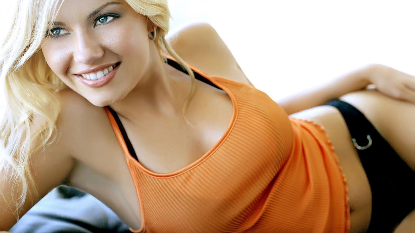 http://2.bp.blogspot.com/--laCNE678PA/TzbN389yF7I/AAAAAAAADDU/GpqvYHB_vBk/s1600/elisha-cuthbert-beautiful-1920x1080.jpg