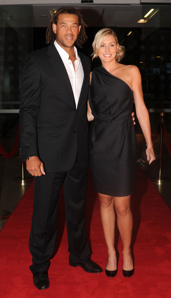 Andrew Symonds with his wife | Cricket players with wife ... | 342 x 594 jpeg 47kB