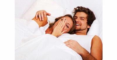 Posisi Tidur Yang Membangkitkan Gairah Seks