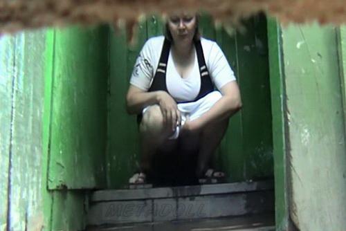 skritaya-kamera-v-derevne-video
