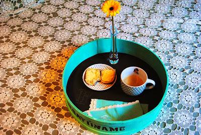 http://canelaynaranja.blogspot.com.es/2013/11/con-una-caja-de-arenques.html