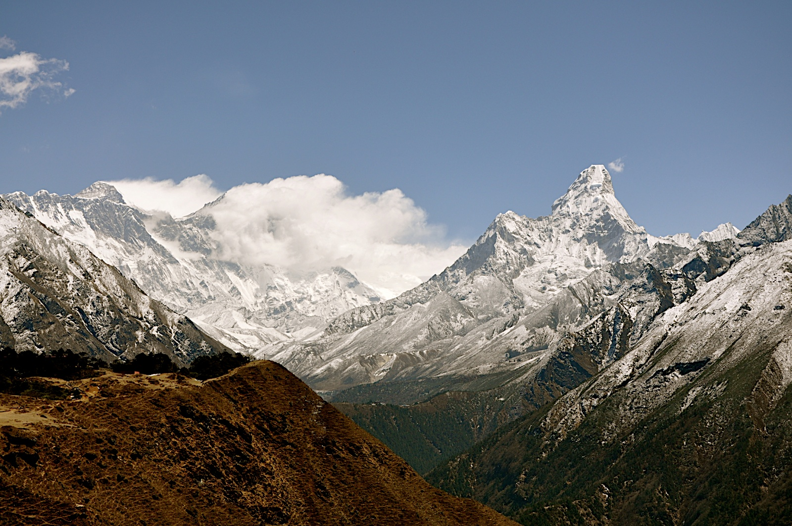 Nepal Opens 104 More Peaks for Climbing