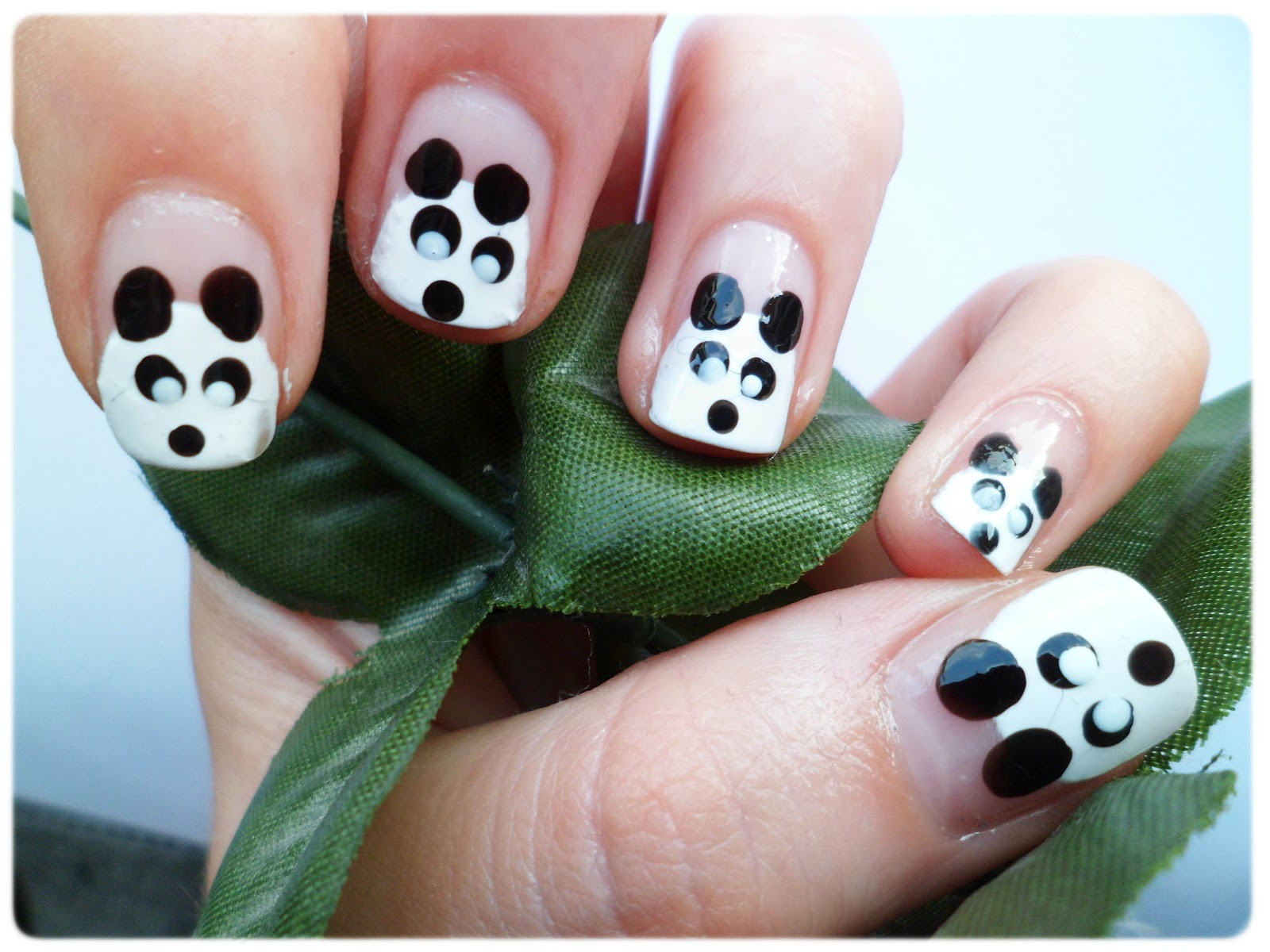 Lauras all made up uk beauty fashion lifestyle blog cute the other day while searching for cute nail art designs they looked adorable so i had to give them a go they didnt turn out too badly now did they prinsesfo Images