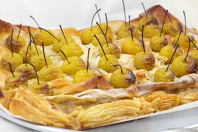 Ciasto francuskie z rajskimi jabłkami