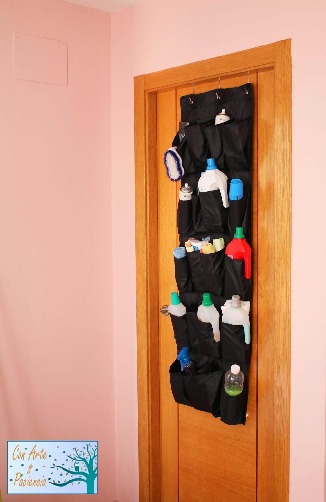 zapatero,puerta,almacenar,productos,limpieza,botes,organizar,ordenar, ideas,hogar,