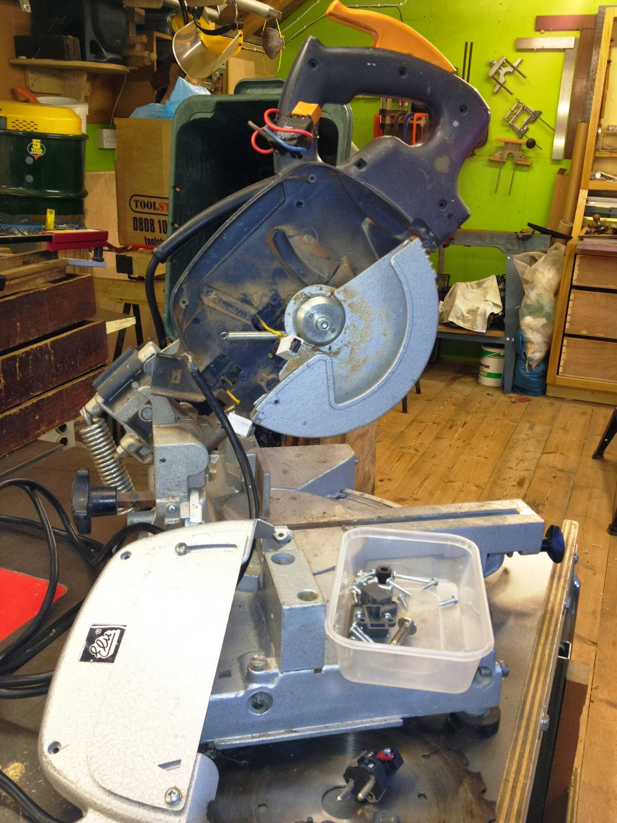 Theworkshop elu ps174 type a3 mitre chop saw a total refurbishment i have managed to source a dust extraction hose connector a new drive belt plus the wrench and the allen key i have on order two tc blades keyboard keysfo Gallery