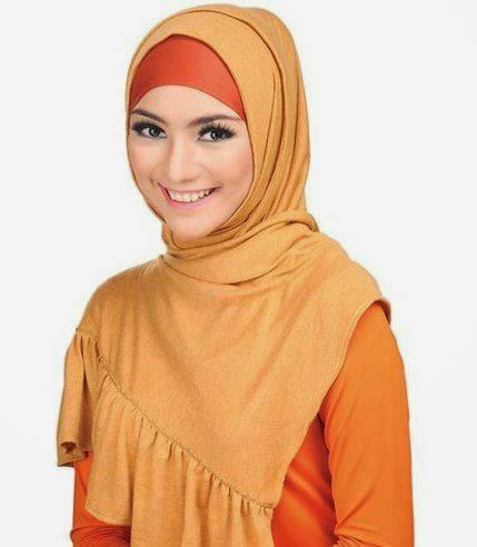 Tips Memakai Hijab ala Citra Kirana image