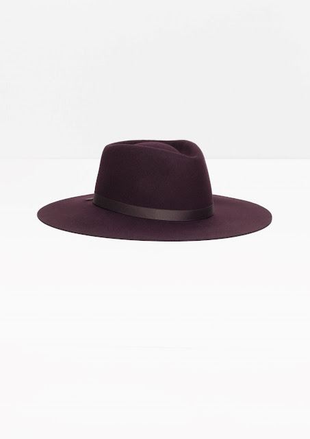 purple felt hat,