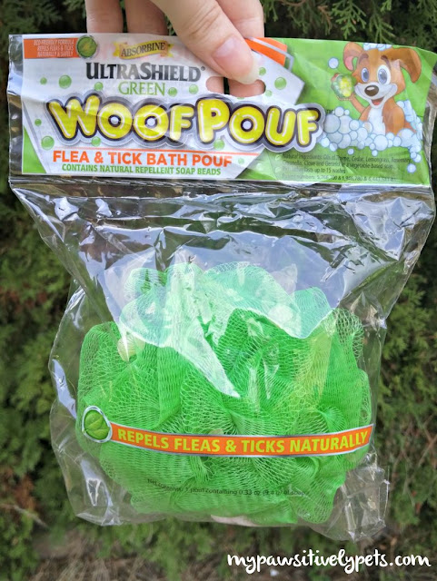 Absorbine UltraShield Woof Pouf repels fleas and ticks naturally