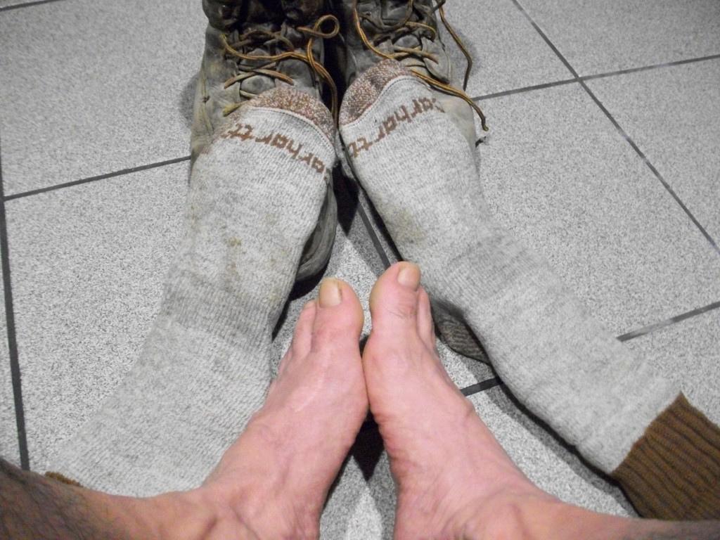 http://2.bp.blogspot.com/--nHyXNpXRgQ/TeMk2gvnqAI/AAAAAAAAAA0/FSA59HeB3Ts/s1600/soldier_feet.jpg
