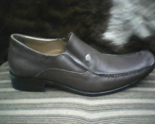 sepatu versance yang bagus dan cocok untuk anda