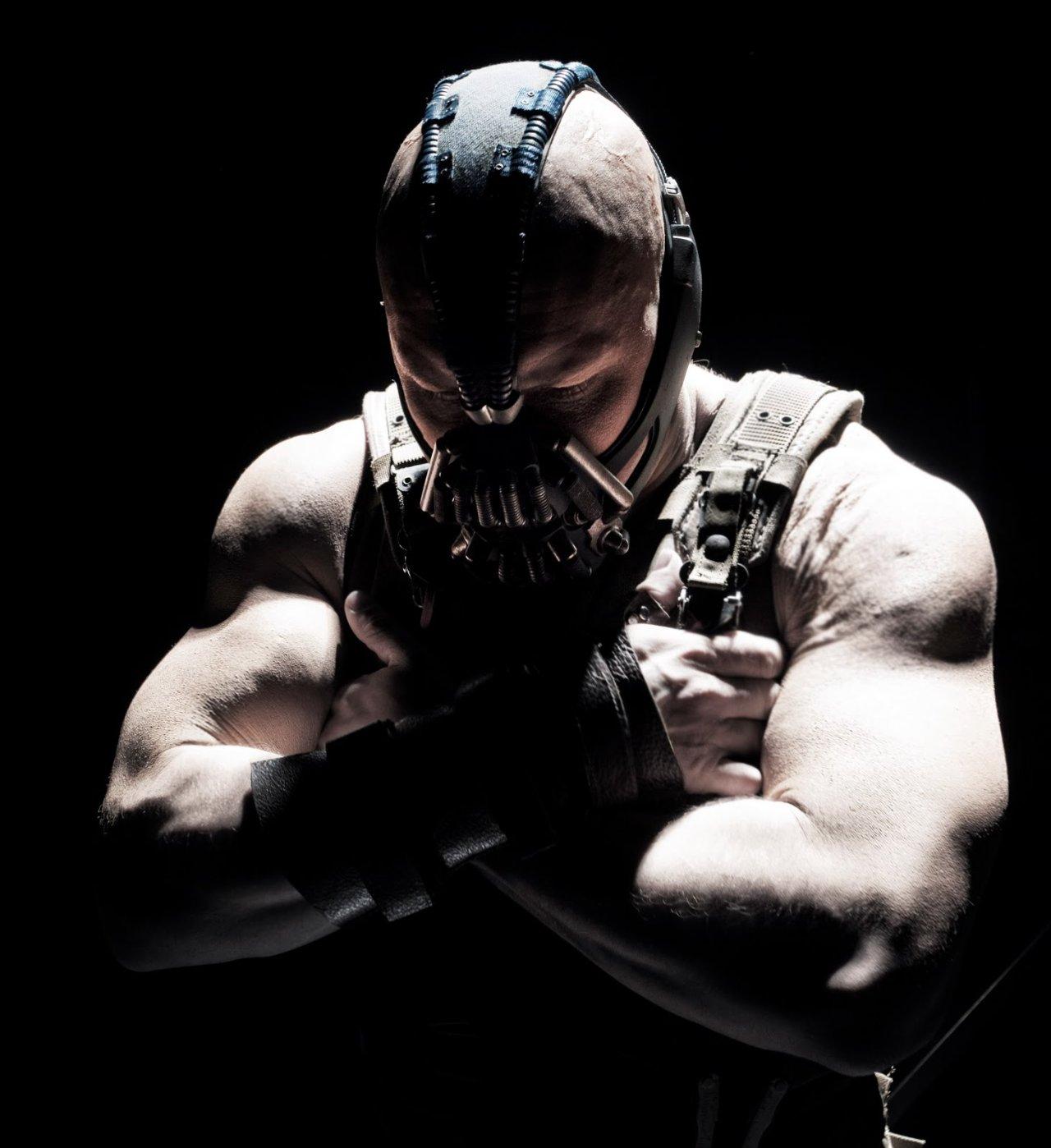 http://2.bp.blogspot.com/--nlufpUUEDg/Tvde2ydCZgI/AAAAAAAAApA/VDL7qSPSFPk/s1600/The+Dark+Knight+Rises-New-Images-3.jpg