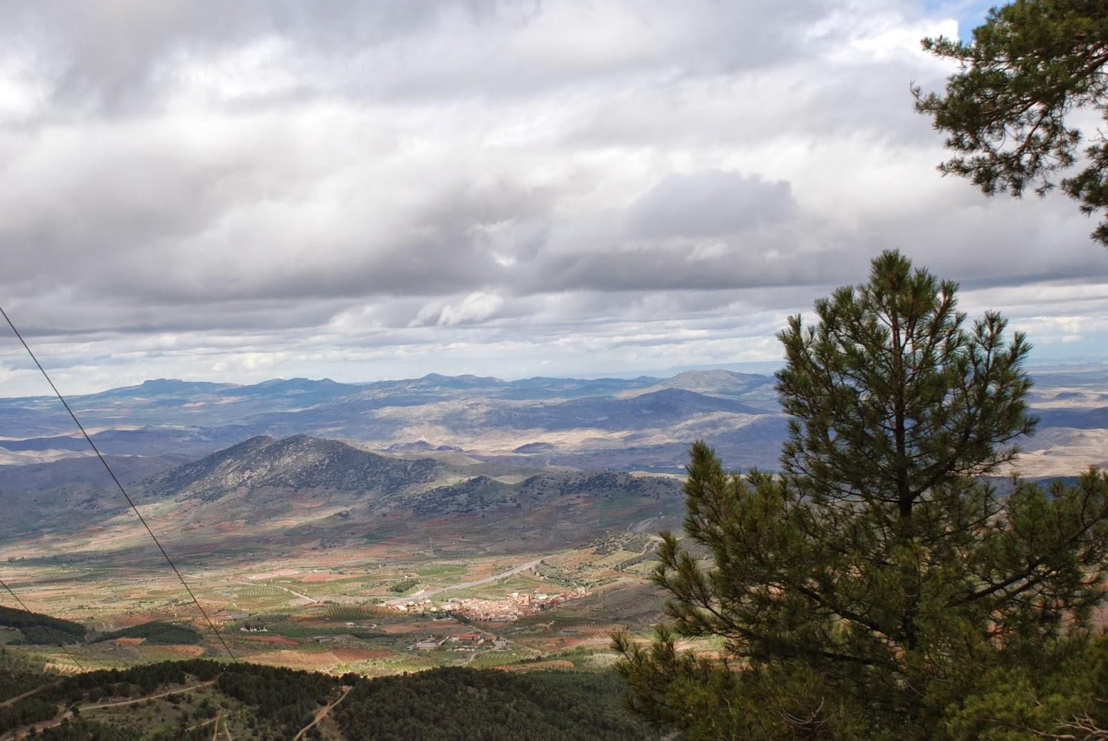 El Frasno desde la sierra de Vicor. Guía de viaje de El Frasno. Tu Maleta.