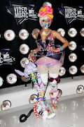 Nick Minaj: Killin' it at the VMAs. This is what subversive fashion looks .