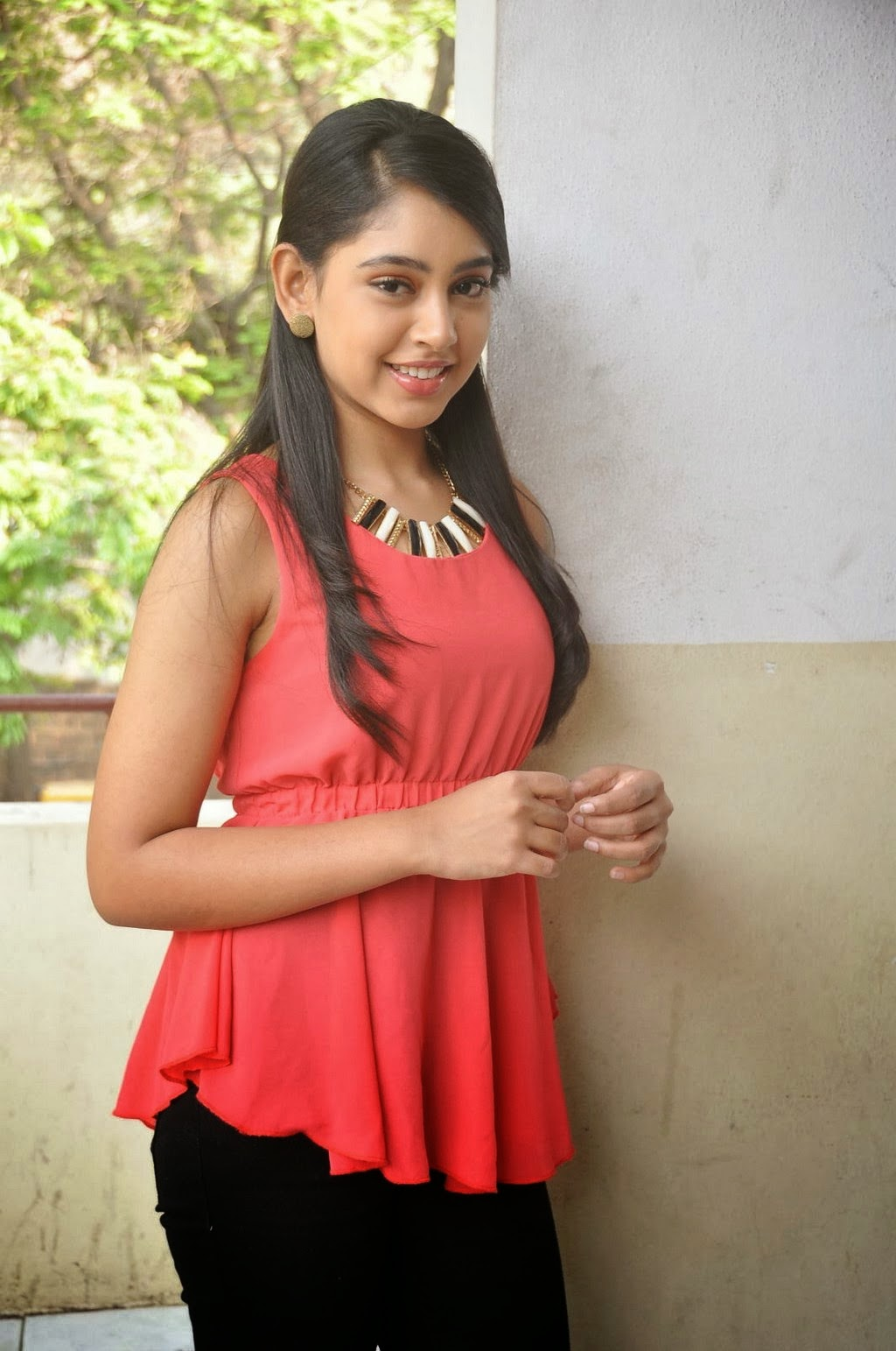 Niti Taylor Photos Sleeveless Sweeties