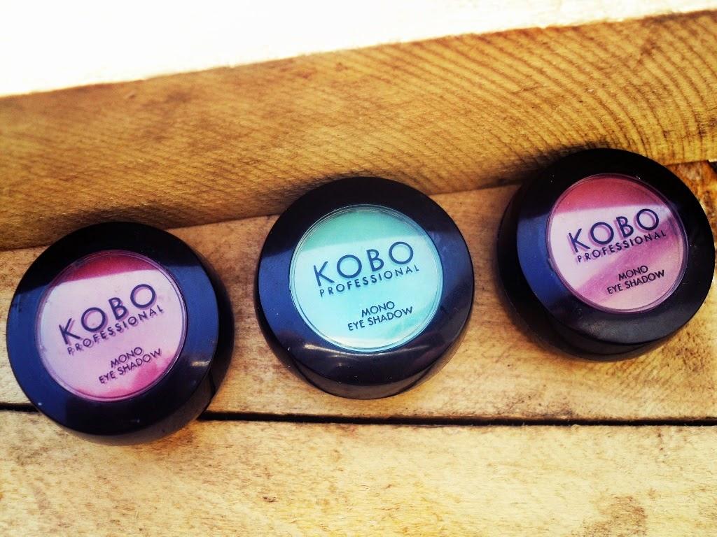 Kobo Professional 136 Turquoise, 141 Chestnut, 142Russet - mono eye shadow