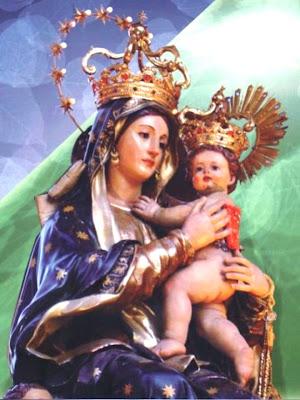 La Virgen de la Abundancia Con el Niño en los Brazos