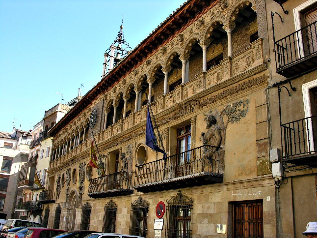 La vida en una mirada tarazona ayuntamiento for Pisos en tarazona