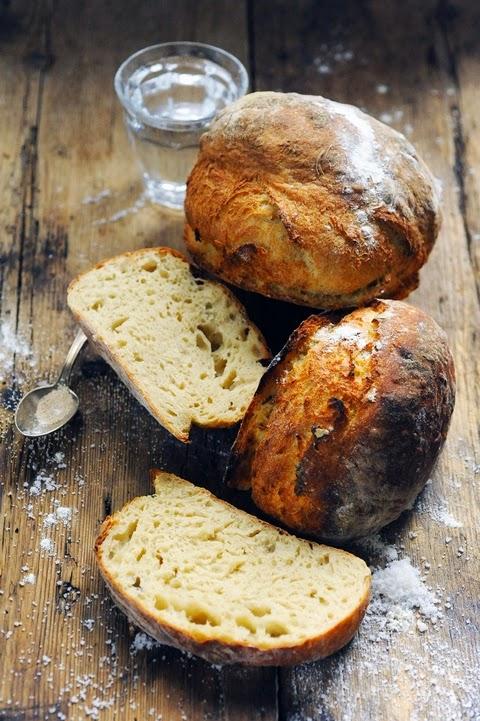 Le dimanche ça boulange ! Et si on commençait par un pain tout simple ? Le pain j'fous rien ou presque !!!
