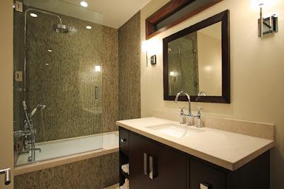 desain kamar mandi dengan bathtub,kamar mandi pakai bathtub,bathtub kamar mandi,desain bathtub kamar mandi,kamar mandi minimalis,kamar mandi mungil,kamar mandi sempit,kamar mandi terbaru