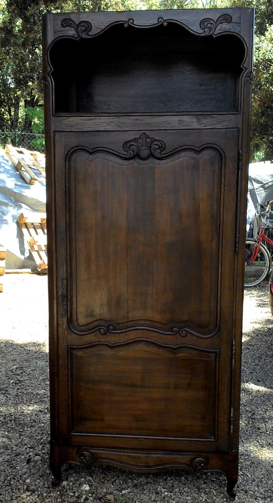 Ancien meuble armoire bonneti re pieds coquille a niche for Homme debout meuble
