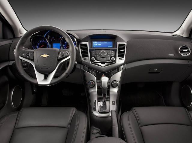 GM Cruze Sport6 Automático - interior