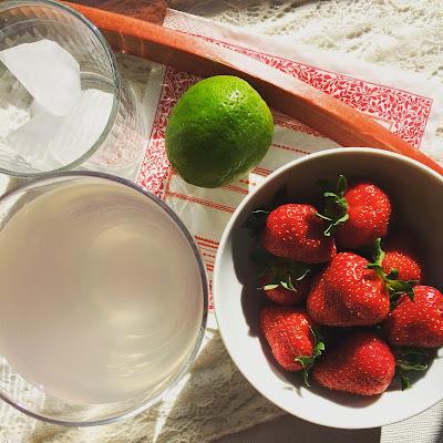 smoothies fraise rhubarbe citron vert