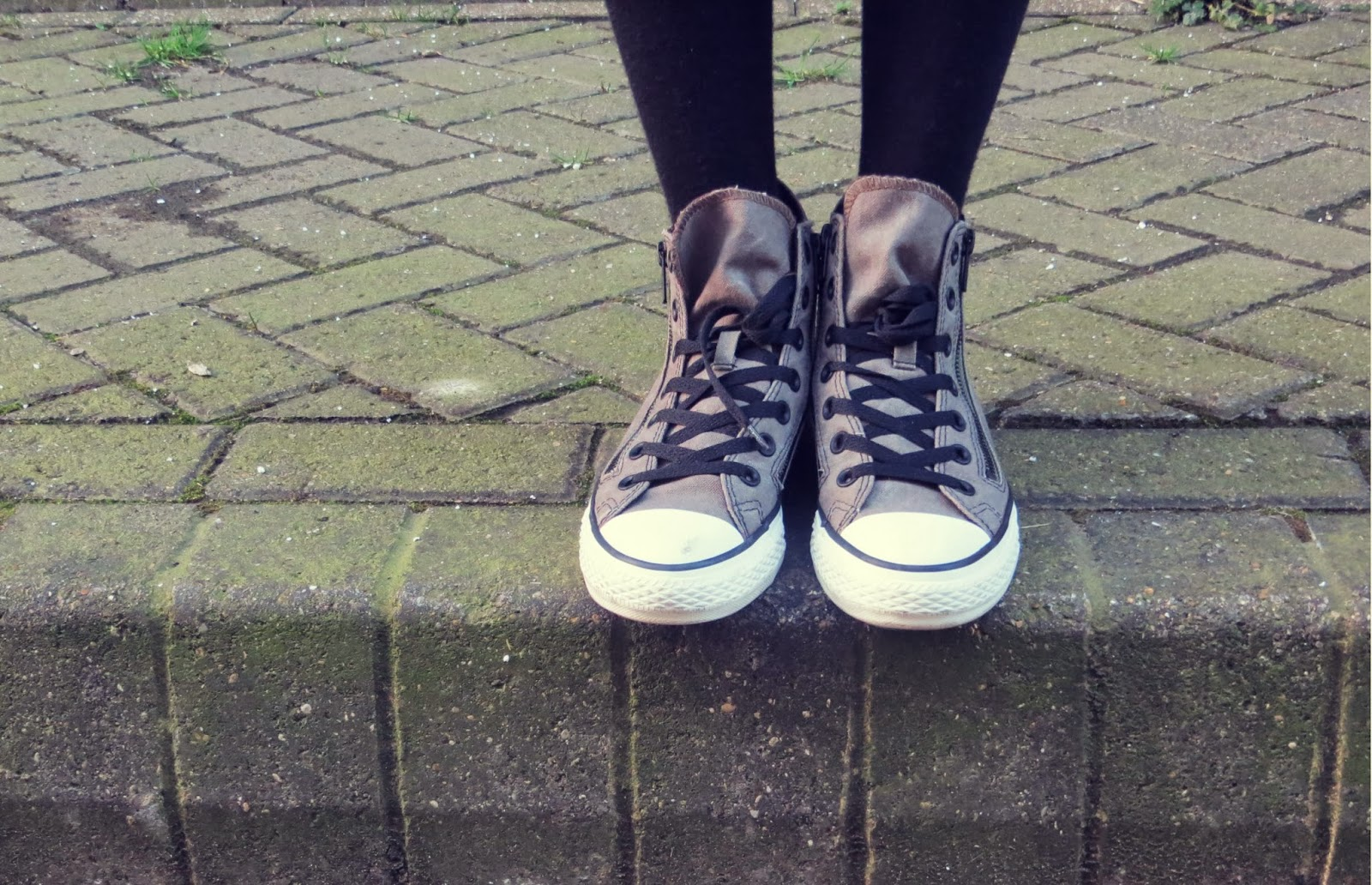 converse sneakers street style
