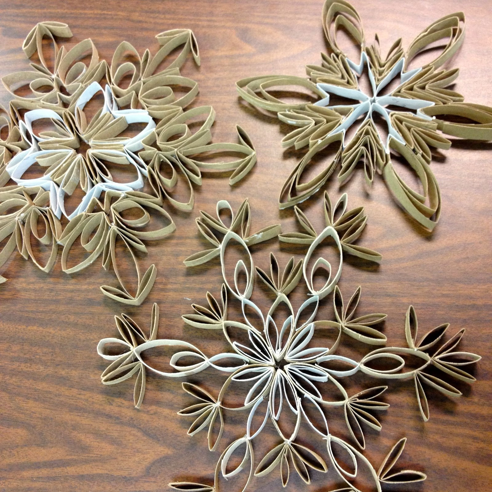Larcie bird toilet paper tube snowflakes tutorial for Snowflake out of toilet paper rolls