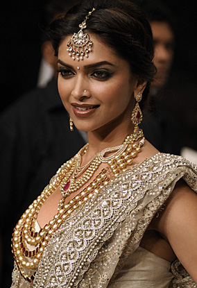 Deepika Padukone want to get rid of RK tattoo ~ Keep It smile