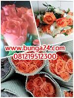 Jual Aneka Bunga  Hias dalam Bentuk Bunga Potong